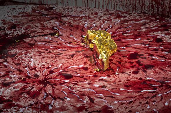 "Vista dell'allestimento della mostra ""Christian Louboutin. L'Exhibition[niste]"", al Palais de la Porte Dorée di Parigi: Imran Qureshi, This too will end, if you go on a step or two, 2019. Photo © Marc Domage"