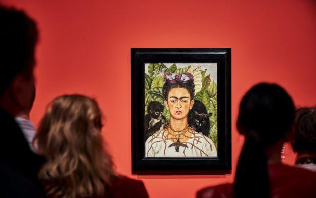 vista della mostra Fantastic Women: Surreal Worlds from Meret Oppenheim to Frida Kahlo, © Schirn Kunsthalle Frankfurt, 2020, Photo Norbert Miguletz
