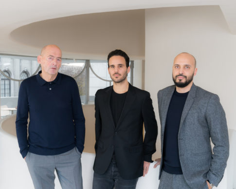Rem Koolhaas; Troy Conrad Therrien, Curator of Architecture and Digital Initiatives, Solomon R. Guggenheim Museum; Samir Bantal, Director of AMO. Photo: Kristopher McKay © Solomon R. Guggenheim Foundation, 2019