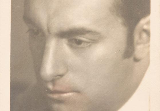 Fotografia di Pablo Neruda dedicata a Olga, 1923, crediti fotografici © Juan Adrio
