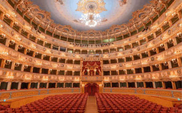 Il Teatro La Fenice visto dal palcoscenico (c) Riccardo Grassetti