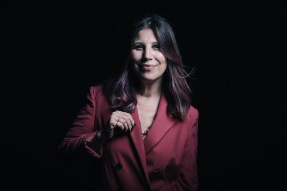 Michela Andreozzi., ospite del terzo episodio di Luce Social Club