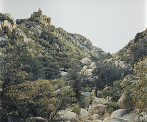 Justine Kurland, Self-Portrait with Casper, Texas Canyon, 2006; chromogenic color print, 19 x 22 in.; NMWA, Gift of Heather and Tony Podesta Collection; © Justine Kurland, Courtesy of the artist and Mitchell-Innes & Nash, New York