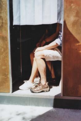 """Una foto di Anita Scianò, dalla serie """"Baisers Volés"""". Courtesy l'artista"""