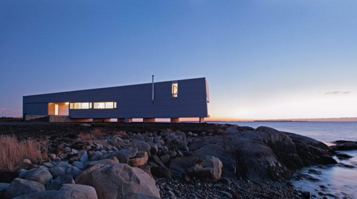 Sunset Rock House, MacKay-Lyons Sweetapple Architects, Shag Harbour, Nova Scotia, Canada, 2012. Image credit: Greg Richardson (pages 222-223)