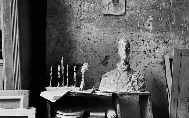 Ernst Scheidegger Busto di Diego nell'atelier parigino di Alberto Giacometti, 1951 Stampa fotografica su carta, ristampa 30,8 x 29,6 cm Photograph by Ernst Scheidegger © 2020 Stiftung Ernst Scheidegger- Archiv, Zürich