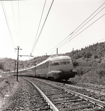 Elettrotreno ETR 300 Settebello nei pressi di Orte (1961) - Foto Archivio Fondazione FS Italiane