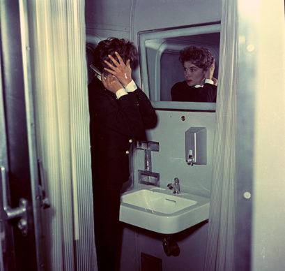 Elettrotreno ETR 300 Settebello, toilette (1952) - Foto Archivio Fondazione FS Italiane