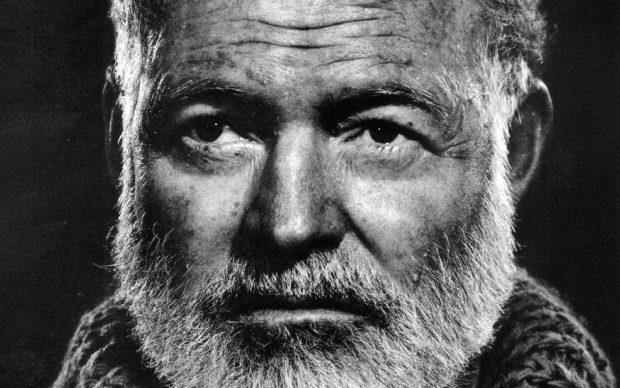 Ernest Hemingway, da Pixabay
