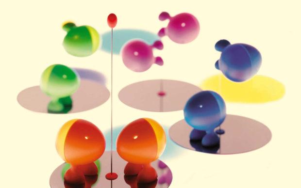 Stefano Giovannoni, Lilliput, 1993, prodotti da Alessi, spargisale e spargipepe in resina termoplastica e acciaio. Credito fotografico: © Giovannoni Design, Milano