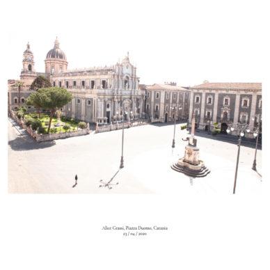 Piazze [In]visibili | Piazza del Duomo, Catania Fotografia di Alice Grassi, 23 aprile 2020 ©2020 MAECI - Punctum Press