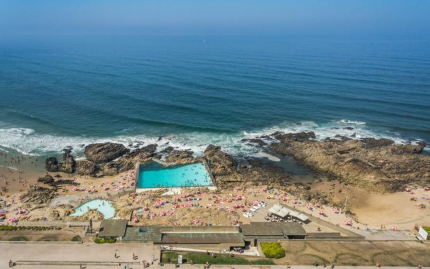 Swimming Pools in Leça. Photo: João Morgado