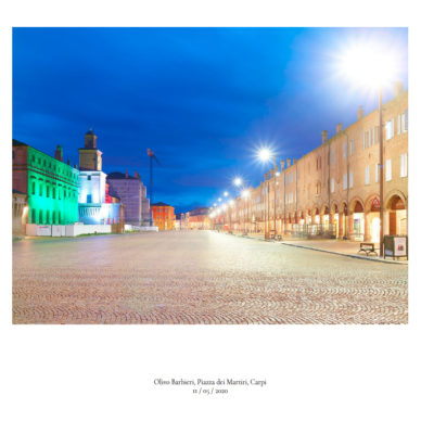 Piazze [In]visibili | Piazza dei Martiri, Carpi Fotografia di Olivo Barbieri, 11 maggio 2020 ©2020 MAECI - Punctum Press
