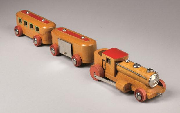 17_treno a vapore con loocotender a due vagoni in legno