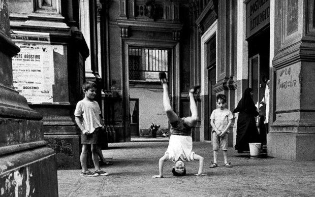 Napoli, 1967 © Gianni Berengo Gardin/Courtesy Fondazione Forma per la Fotografia