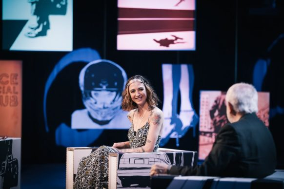 Ema Stokholma, ospite del quindicesimo episodio di Luce Social Club