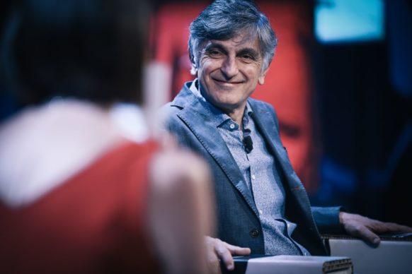 Vincenzo Salemme, ospite del qundicesimo episodio di Luce Social Club