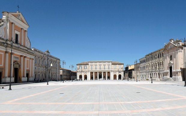 Senigallia, Piazza Garibaldi, photo Claudio Stanco