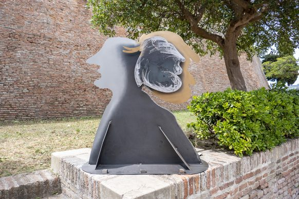 Mondolfo, Enrico Ferrari, Volti dell'anima. Photo Franco Simoncini