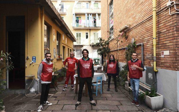 Opera Viva ‒ Artista di Quartiere, il gruppo degli artisti di Torino con Alessandro Bulgini, photo Mirko Isaia
