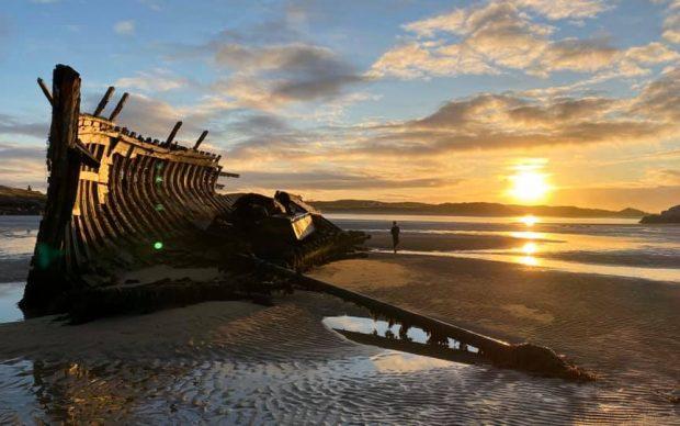 Bád Eddie on Machaire Chlochair beach in Bunbeg, Co Donegal. Credit Sonia Nic Giolla Easbuig, LIGID Léiriúcháin & An Baile.ie