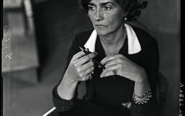 André Kertész. Coco Chanel – Années 30. André Kertész. Coco Chanel in 1930s © Ministère de la Culture – Médiathèque de l'Architecture et du Patrimoine, Dist. RMN-Grand Palais / André Kertész
