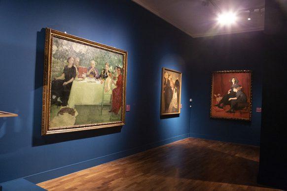 """Vista dell'allestimento della mostra Napoli Liberty. """"N'aria 'e primmavera"""". Foto di Egidio Massa"""