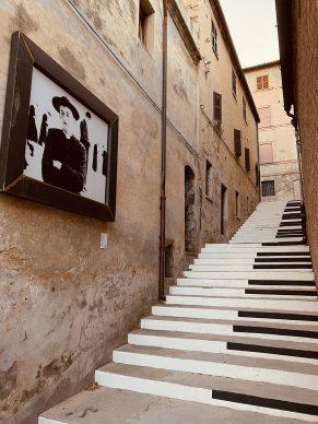 Mondolfo, Mario Giacomelli, Io non ho mani che mi accarezzino il volto. Photo courtesy Mondolfo Galleria Senza Soffitto