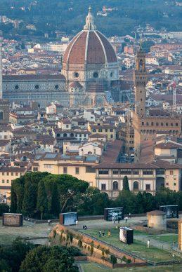 """Firenze, veduta della mostra fotografica """"Bellezza oltre il limite"""". Photo © Massimo Sestini"""