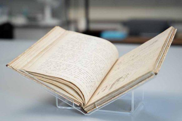 """The manuscript of """"Avant et après"""" by Paul Gauguin © The Courtauld"""