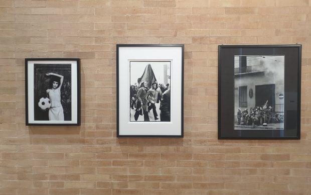 Una veduta della mostra La strada, la lotta e l'amore presso il Terminal Mario Dondero di Fermo