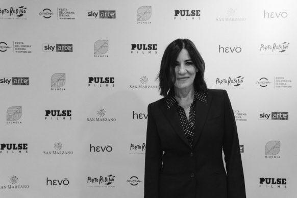 """Paola Turci alla proiezione di """"Porto Rubino. Storie, canzoni e lupi di mare"""" alla Casa del Cinema di Roma, 2020"""