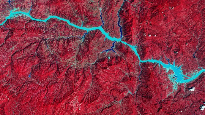 NASA. Images of Change, Three Gorges Dam, central China. September 24, 1993 – August 22, 2016. Courtesy NASA, left photo U.S. Geological Survey (USGS), Landsat Missions Gallery, U.S. Department of the Interior / USGS and NASA
