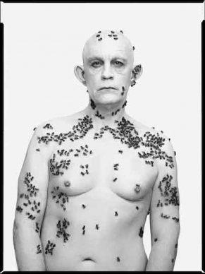 Richard Avedon / Ronald Fisher, Beekeeper Davis, California, May 9 (1981), 2014 © Sandro Miller / Courtesy Gallery FIFTY ONE, Antwerp