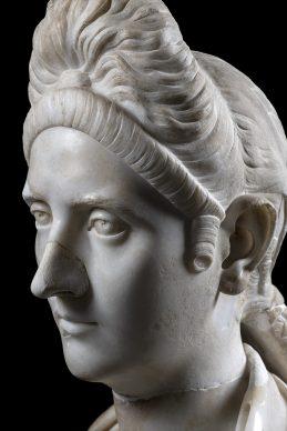 MANN, campagna Sette statue per sette giorni. Busto di Plotina inv. 6076. Photo © Luigi Spina