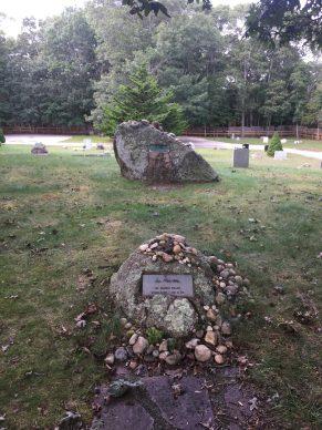 """Le tombe di Lee Krasner e Jackson Pollock visitate da Jessica Ferri per il volume """"Qui giace un poeta"""""""