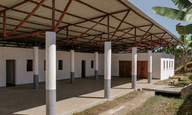 Premio Giovane Talento dell'Architettura italiana 2020. Scuola con alloggi a Nosy Be, Madagascar. Capogruppo l'architetto Edoardo Capuzzo Dolcetta. Photo © Francesco Calandra