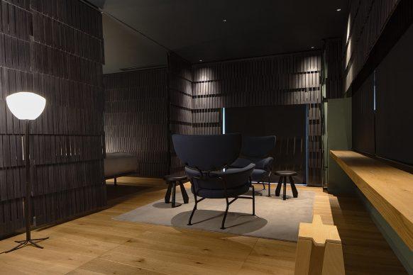Shiroiya Hotel, Michele de Lucchi Room. Photo ®Shinya Kigure