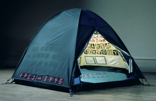 Everyone I Have Ever Slept With 1963–1995, 1995 Appliquéd tent, mattress and light, 122×245×215 cm (48.03×96.46×84.65 in). : © Tracey Emin. All rights reserved, DACS/Artimage 2020