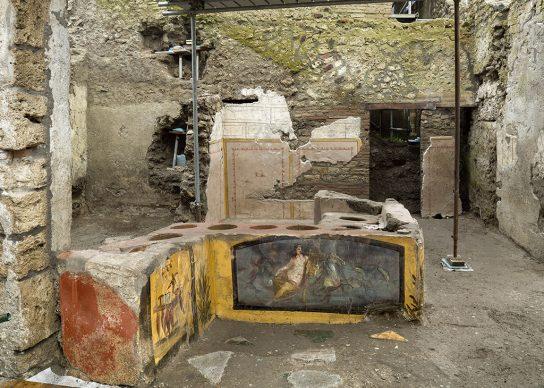 Termopolio della Regio V - Parco Archeologico di Pompei. Crediti foto ©Luigi Spina