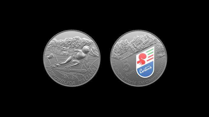 La moneta dedicata ai Mondiali Sci Alpino Cortina. Immagine Poligrafico e Zecca dello Stato
