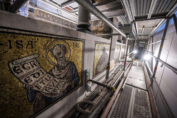 Cantiere di restauro delle pareti interne del Battistero di Firenze  - Courtesy Opera di Santa Maria del Fiore, foto Claudio Giovannini