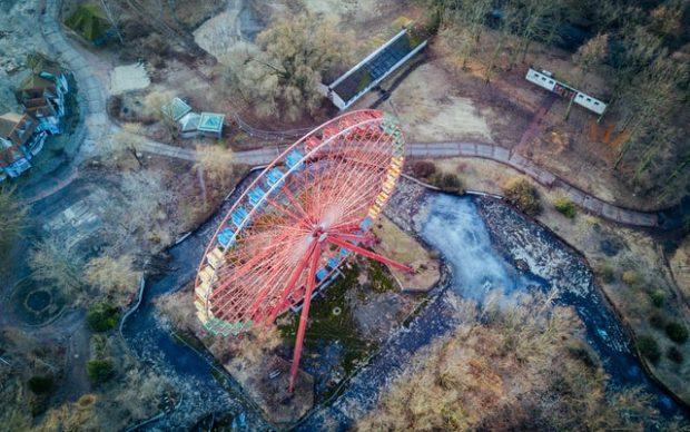Lo Spreepark di Berlino ripreso da un drone. Photo by Jaromír Kavan on Unsplash