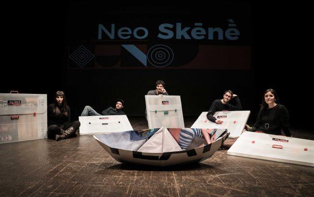 Neo Skēnḕ. Manifesti d'artista al Teatro di Rifredi, Firenze. Photo credits Malandrino Film