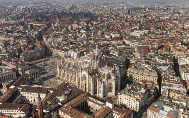 Una veduta della cattedrale di Milano, tratta dal libroItalia dall'alto(Jaca Book, 2020)