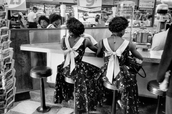 New York City, 1955. © Elliott Erwitt / Magnum Photos/ Contrasto