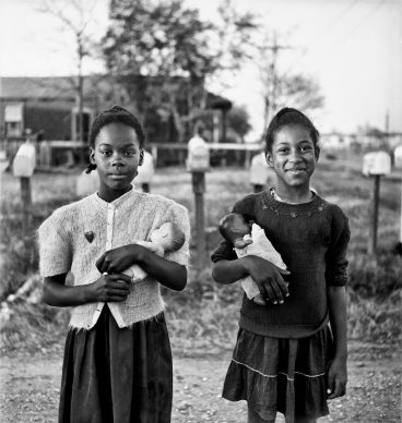 New Orleans, Louisiana, 1947. © Elliott Erwitt / Magnum Photos/ Contrasto
