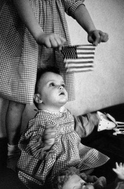 New Rochelle, New York, 1959. © Elliott Erwitt / Magnum Photos/ Contrasto