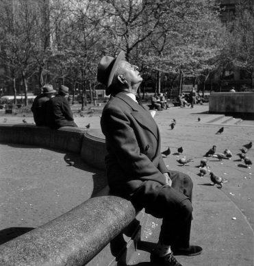 New York, 1948. © Elliott Erwitt / Magnum Photos/ Contrasto