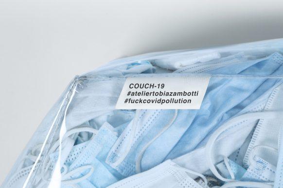 Couch-19. Courtesy Tobia Zambotti. Foto di Raffaele Merler